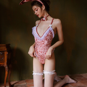 Image 1 - 3 farben Bunny Mädchen Sexy Dessous Cosplay Uniform Samt Spitze Kaninchen Ohr Outfit 5PCS Party Roleplay Body Frauen Clubwear