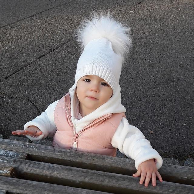 GZHILOVINGL 2017 yeni kış çocuk yürüyor çocuk Boys kız pamuk tığ örme Beanies Skullies Caps kürk çok ponpon
