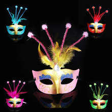 Новая стильная Венецианская маска на пол-лица, Золотая пудра, цветная рисованная маска с перьями, сценическая детская маска для взрослых