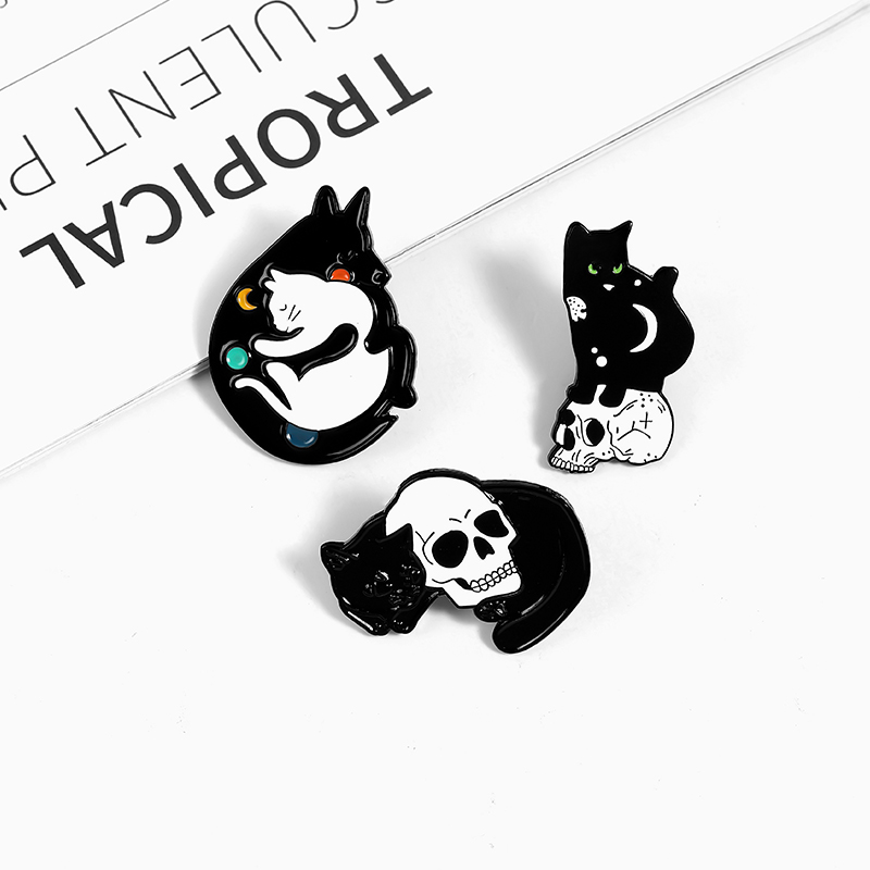 Mystical Witch Cat Enamel Pin Moon and Stars Cat Badge Brooch Lapel Pins Denim Jeans Shirt Bag Punk Jewelry Gift for friends 3