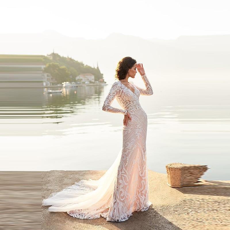 Gorgeous Delicate Lace Long Sleeves Bride Wedding Dresses Plunge V Neckline Illusion Back Bridal Gowns Appliqued Court Train