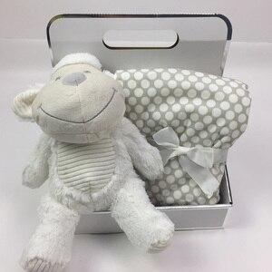 Image 2 - 75*100cm מכירה לוהטת אריזת מתנה עם חמוד בעלי החיים בובה + שמיכת קטיפה אלמוגים תינוק מצעים ארנב פיל בפלאש צעצוע