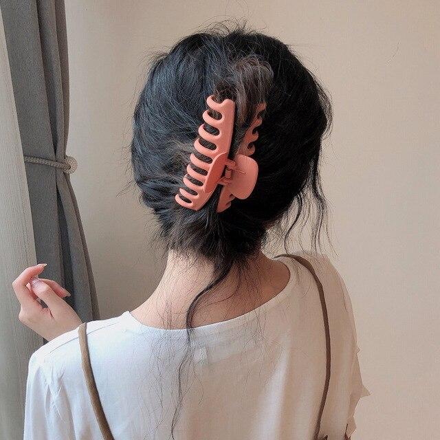 2021 Korean Solid Big Hair Claws Elegant Frosted Acrylic Hair Clips Hairpins Barrette Headwear for Women Girls Hair Accessories 2