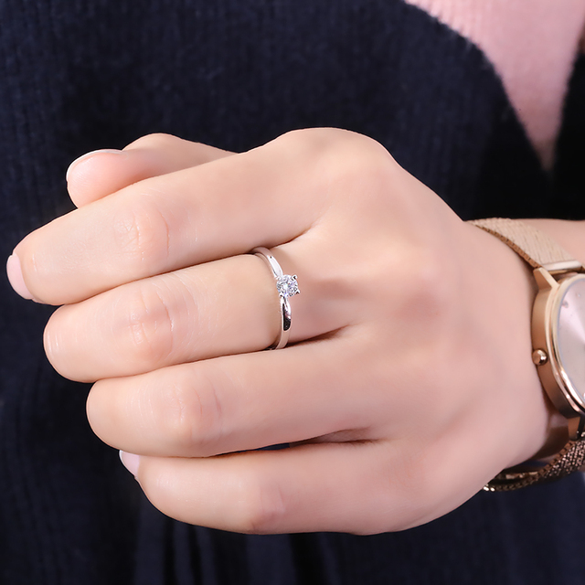 Фото обручальное кольцо из муассанита 03 карат 40 мм цена