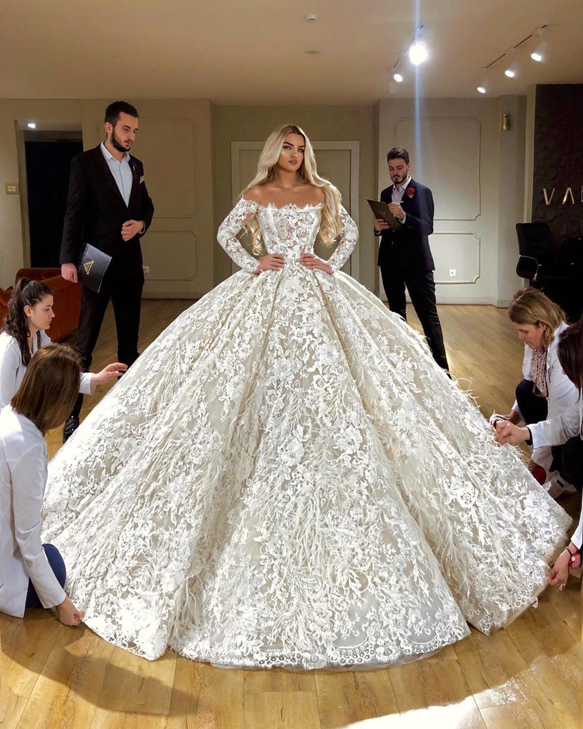 Off Shoulder Full Lace Ball Gown Wedding Dress Luxury Long Sleeves