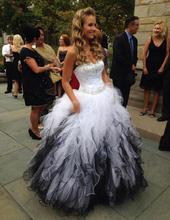 Vestido דה noiva 2020 ללא משענת בתוספת גודל ייחודי מתוקה מחוך לבן ושחור גותי חתונה שמלת כדור שמלת חלוק דה soiree