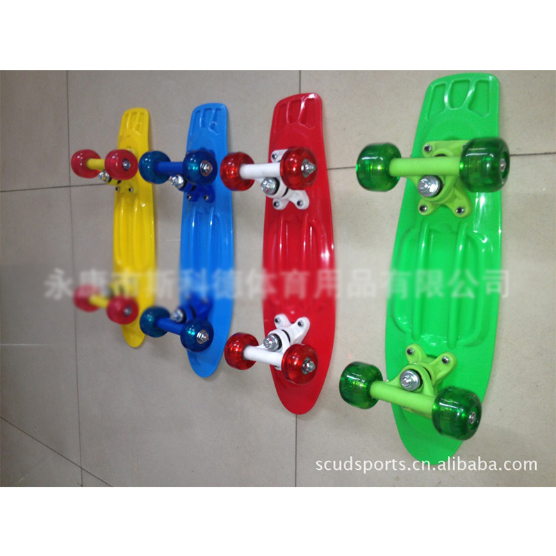 Dynamic Fashion Transparent Wheel-Style Single Cut Skateboard