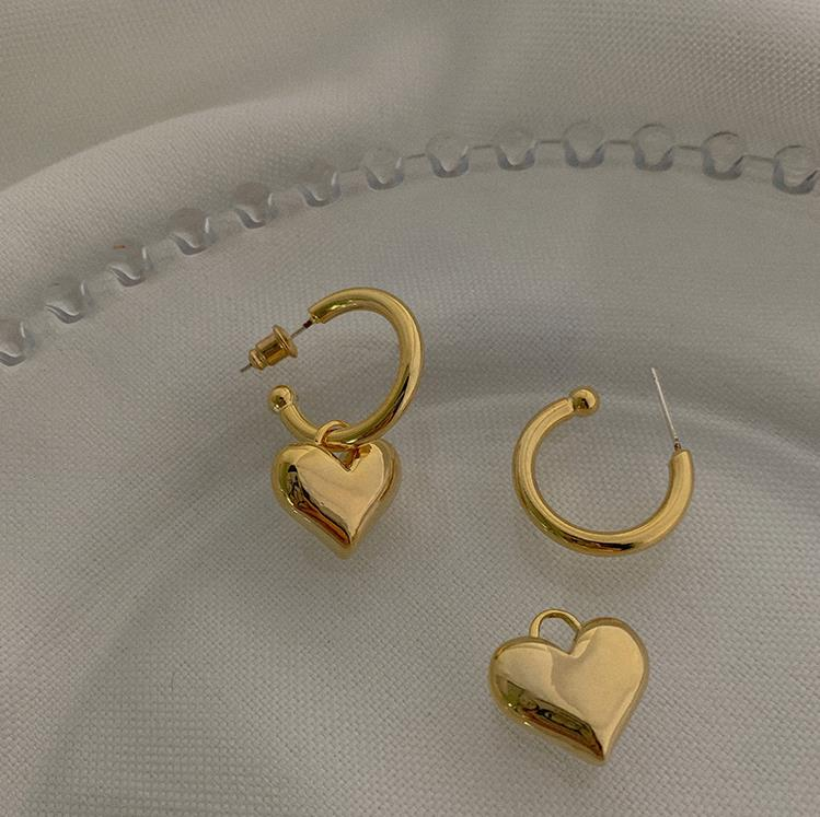 Kshmir S925 Metallic Gold Heart Earring Female Heart-shaped Stud Metallic Earring 2020 New Fashion earrings C-shaped earrings
