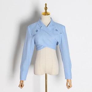 Image 5 - TWOTWINSTYLE Asymmetrische Slanke vrouwen Blouses Revers Kraag Lange Mouwen Casual Short Shirts Tops Vrouwelijke Mode Kleding 2019 Nieuwe