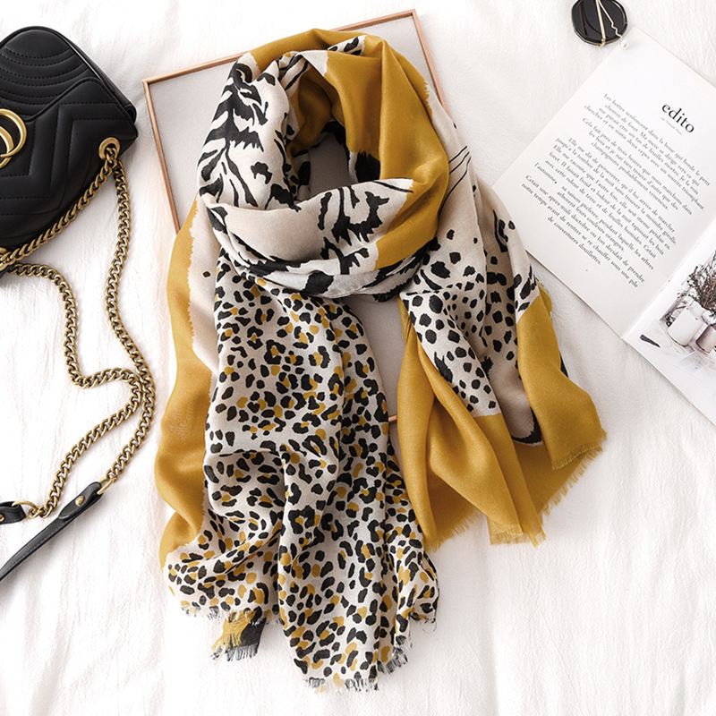 Autumn Winter Animal Leopard Pattern Viscose Shawl Scarf Lady Print Hijabs And Wraps High Quality Pashmina Stole Muslim Sjaal
