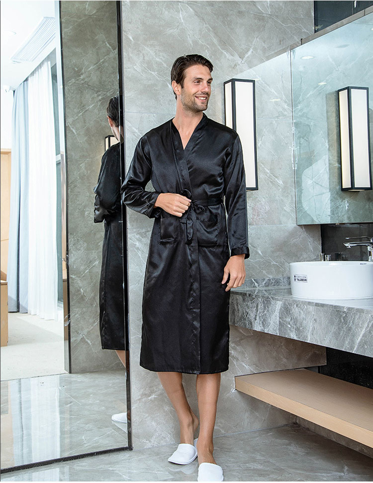 Solid Black Groomsman Robe Men Silk Satin Robe Summer Casual Sleepwear V-Neck Kimono Yukata Bathrobe Gown Size S M L XL XXL