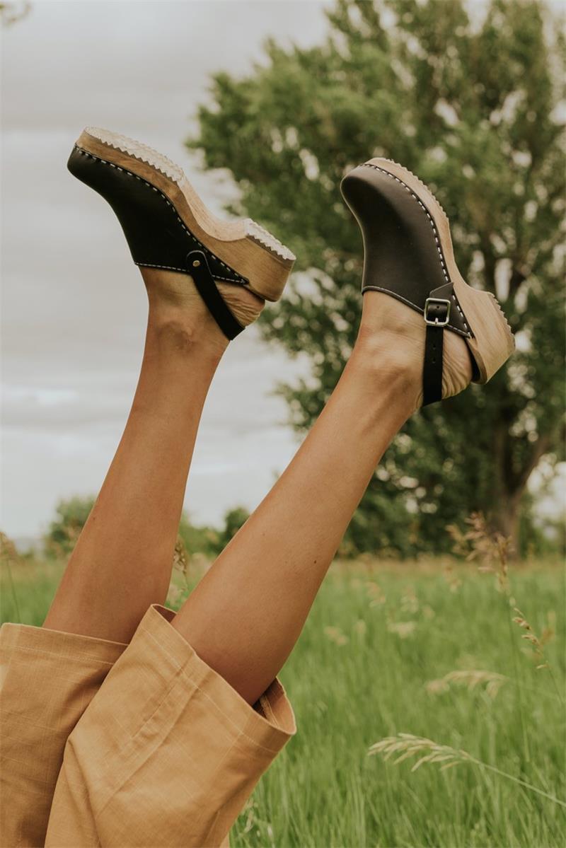 Женские босоножки с деревянной пряжкой, однотонные повседневные универсальные сандалии из искусственной кожи, ZQ0001, 2021