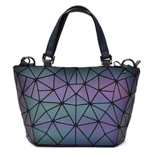 купить Litthing Geometry Bag 2019 Women Luminous Bags Hologram Laser Plain Folding Rainbow Handbags Bag Drop shipping Fashion New по цене 1008.45 рублей