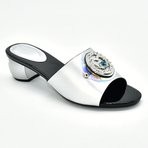Image 3 - Buty damskie klapki na lato dobrej jakości buty ślubne damskie włoskie ozdobione Rhinestone klapki do noszenia na co dzień dla obuwia damskiego
