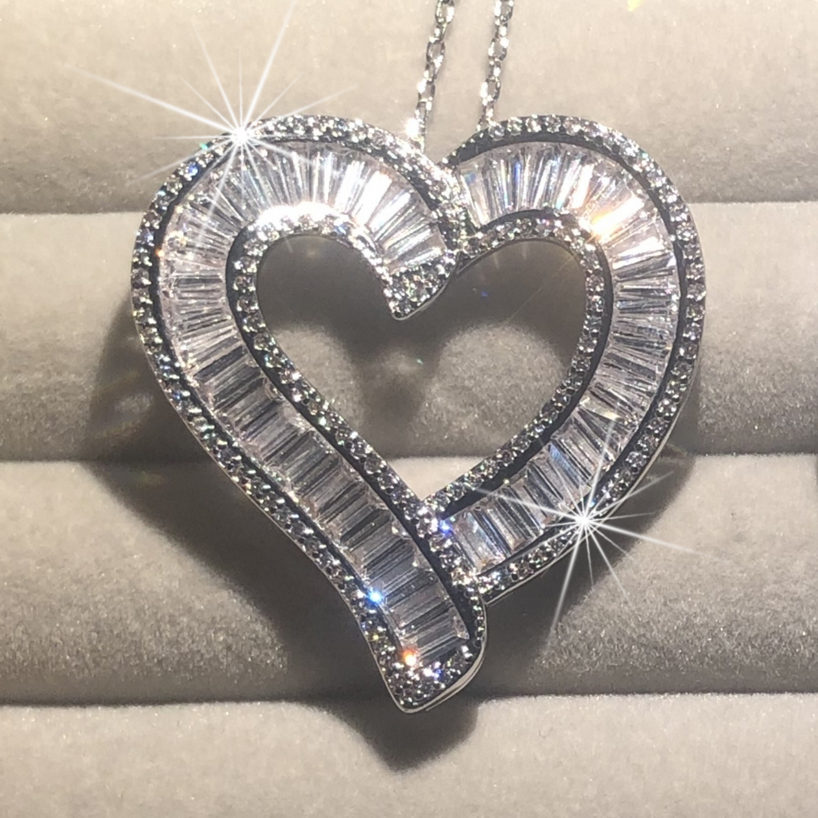 Luxury 925 Silver Heart Pendant Chain Necklace Women Sparkling Princess-cut Topaz Simulated Diamond Necklace Wedding Jewelry