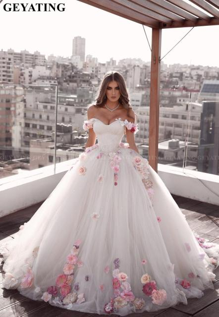 Elegant Off Shoulder White Ball Gown Dubai Wedding Dress with 3D Flowers Crystal Princess Plus Size Arabic Bridal Wedding Gowns