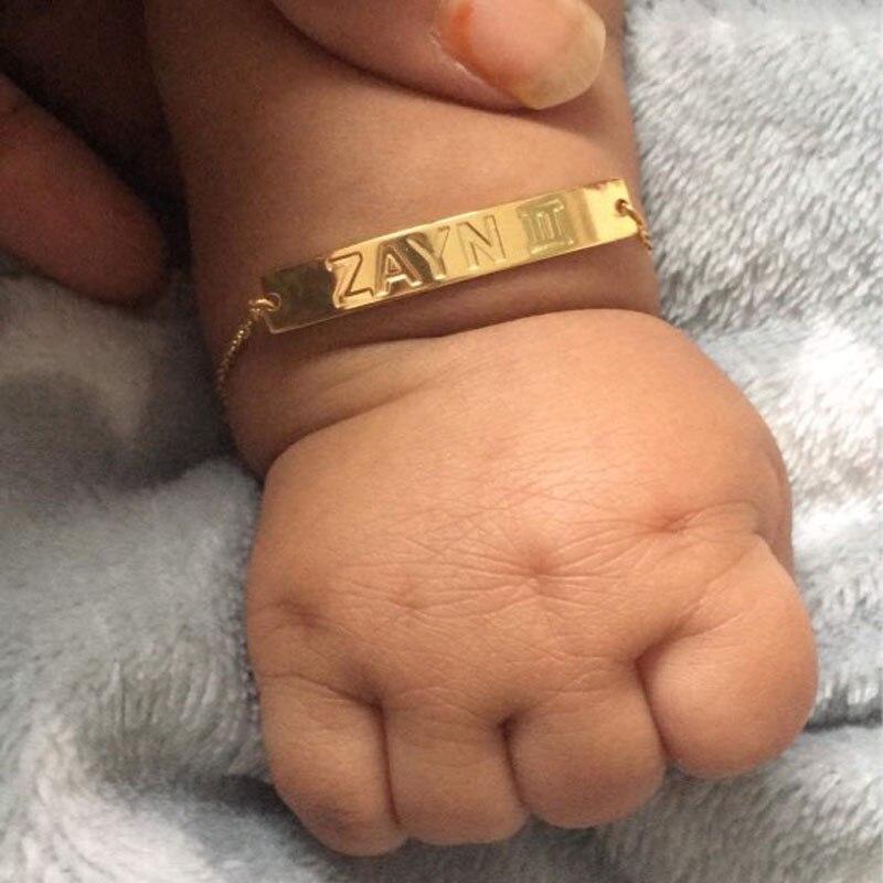 Nouveau-né nom de bébé Date de naissance de l'année Bracelets en acier inoxydable sans Nickel accessoires pour enfants nouvelle maman cadeaux Bague Femme BFF