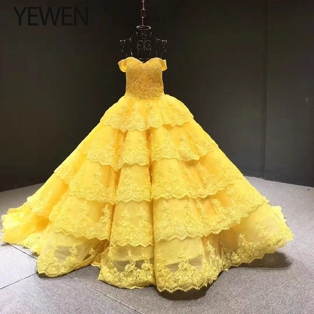 V neck Yellow Long Evening Dress 2020 Applique Lace High Quality Puffy Prom Gowns Vestido De Festa Off The Shoulder Evening Gown