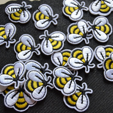 10pcs/lot Small Yellow Bee Patch Embroidery Sticker Iron on Patches for clothing applique embroidery DIY Clothing Accessories