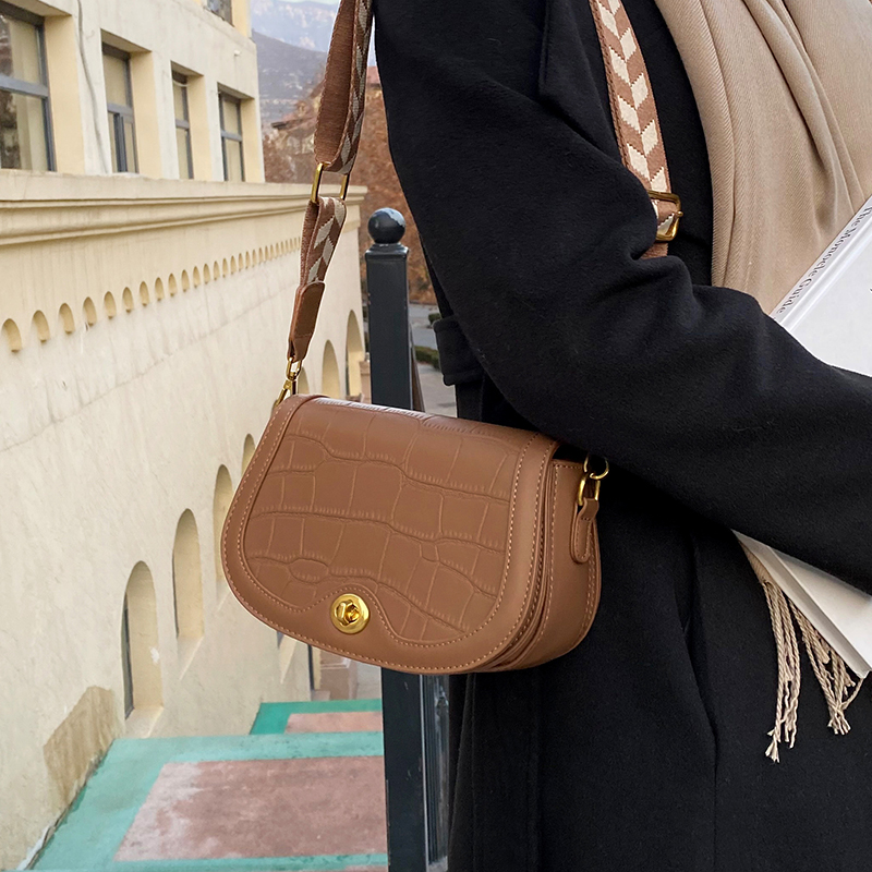 с доставкой Stone Pattern Design PU Leather Shoulder Bag 2020 Winter Women's saddle bag Handbags and Purses Lux Cross Body Bag