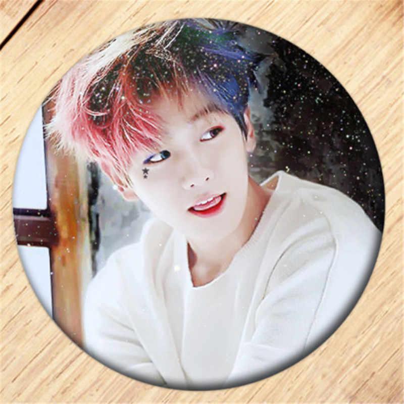 Darmowa wysyłka Kpop EXO CHANYEOL BAEKHYUN broszka Pin dziewczyny naszywki na ubrania dekoracja plecaka biżuteria B062