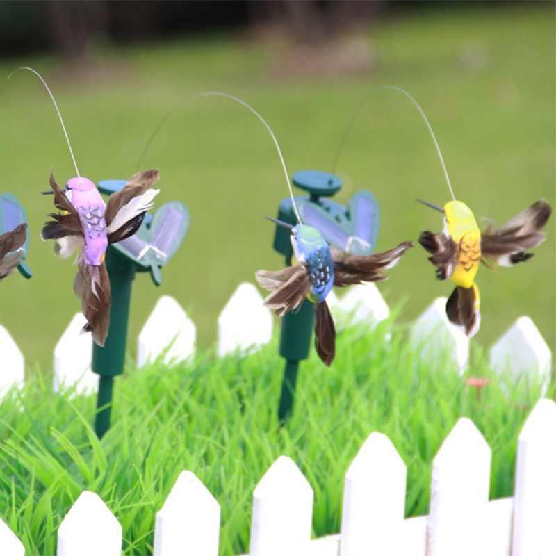 ตลกของเล่นพลังงานแสงอาทิตย์ Flying Fluttering Hummingbird Powered นกผีเสื้อสำหรับตกแต่งสวนของเล่นเด็กสีสุ่ม