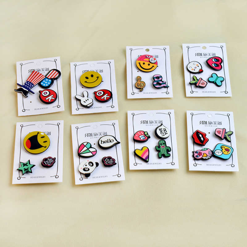 1-4 Pcs/set Pin Kartun EMOJI Catatan Musik Bintang Merah Enamel Pin Bros Lucu Anak-anak Hadiah Kerah Pin Lencana kemeja Tas Perhiasan Grosir