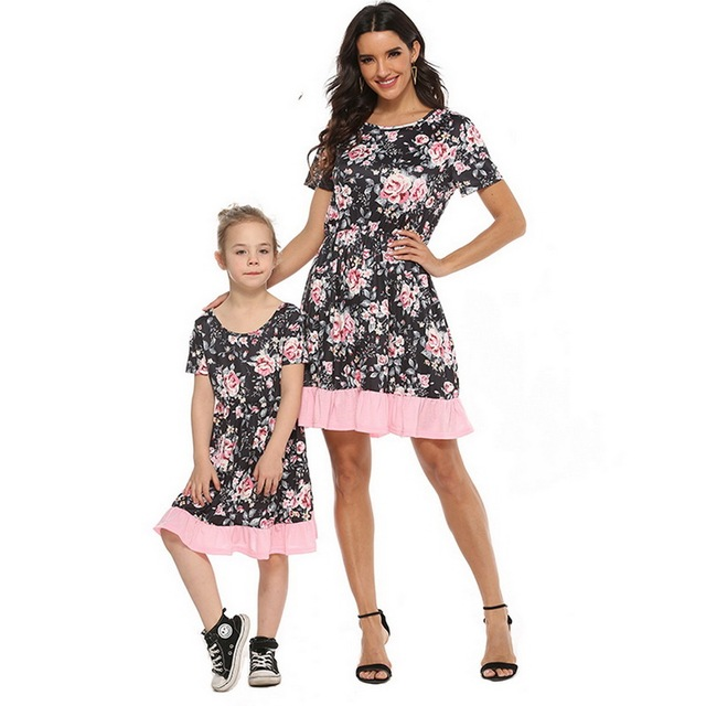 2020 Summer Family Matching Outfits Mother & daughter Matching Clothing 2-8T Floral Dress Mom Girls Family Clothes Outfits 4