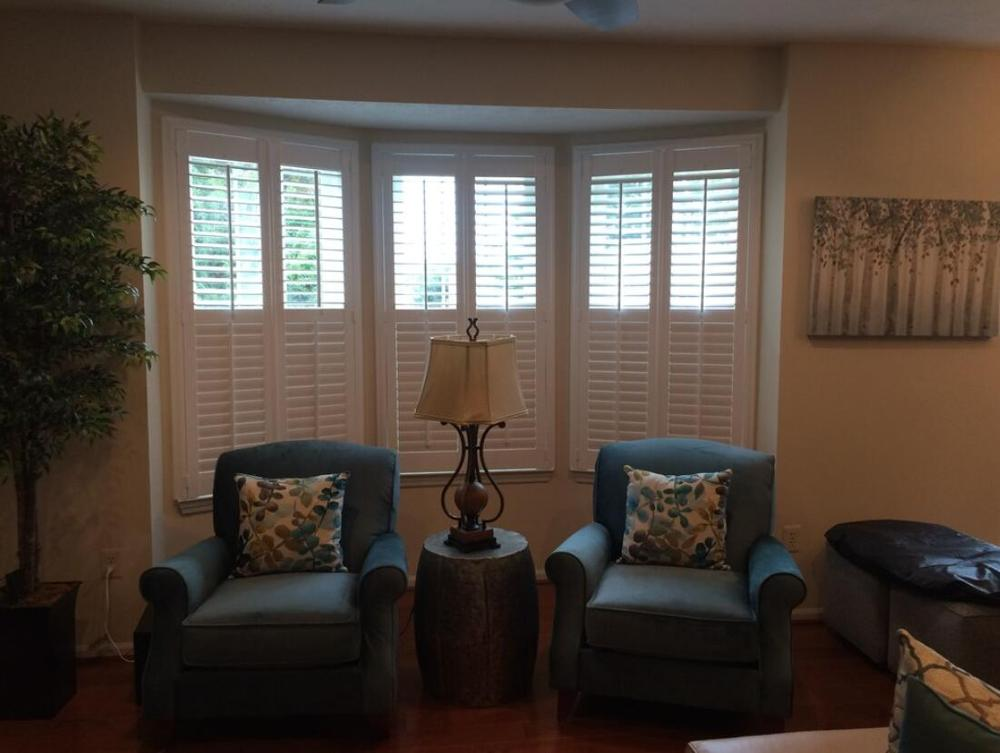 Custom Basswood Plantation Shutters Wooden Blinds Solid Wood Shutter Louvers PS248