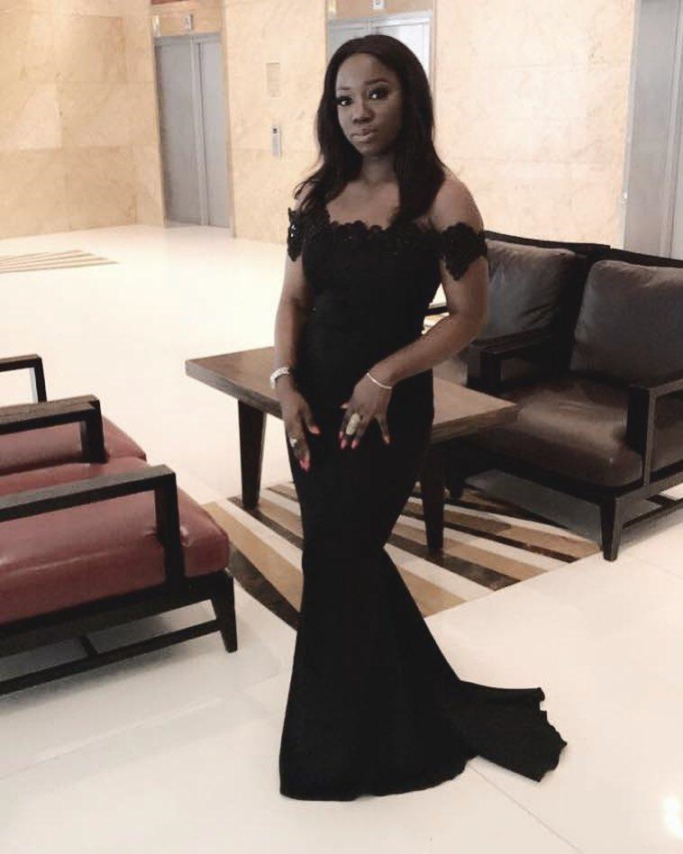 Black 2020 New Designer Mermaid Bridesmaid Dresses Off Shoulder Lace Applique Sequined Beads Maid Of Honor Dress Prom Dress