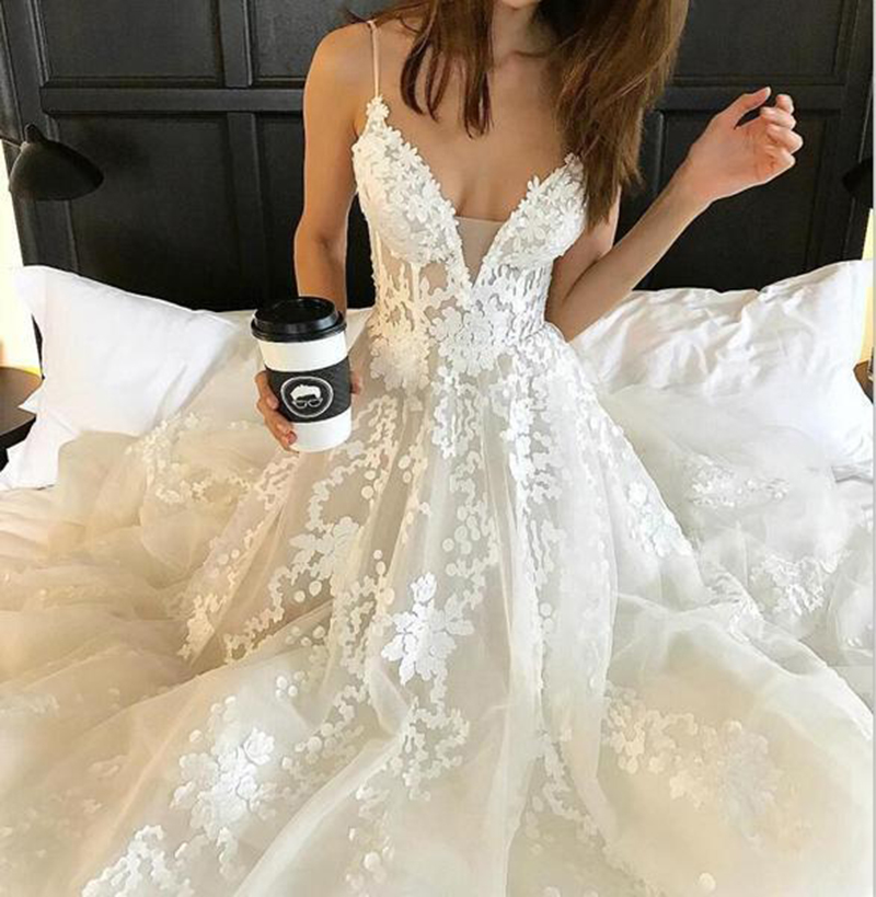 Sexy V Neck Wedding Dresses 2020 Tulle Vestido De Noiva Lace Appliques Sleeveless Backless Wedding Dress With Train