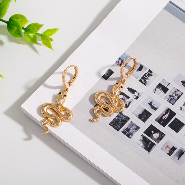 1Pair Vintage Long Hollow Snake Earrings for Women Jewelry European Womens Rhinestone Dragon Stud Earings Girl.jpg 640x640 - 1Pair Vintage Long Hollow Snake Earrings for Women Jewelry European Womens Rhinestone Dragon Stud Earings Girl Gift E302
