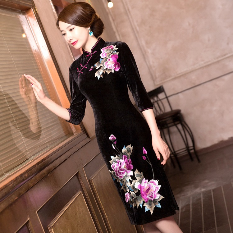 Autumn And Winter New Style Top Grade Improved Cheongsam Chinese-style Fashion Embroidery Slim Fit Elasticity Velvet Cheongsam S