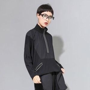 Image 4 - XITAO خليط ضرب اللون الأسود T قميص المرأة أزياء الملابس 2019 موقف طوق كامل كم المحملة أعلى جيب الخريف جديد GCC1431