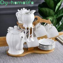 Керамическая кофейная чашка в европейском стиле с деревянной