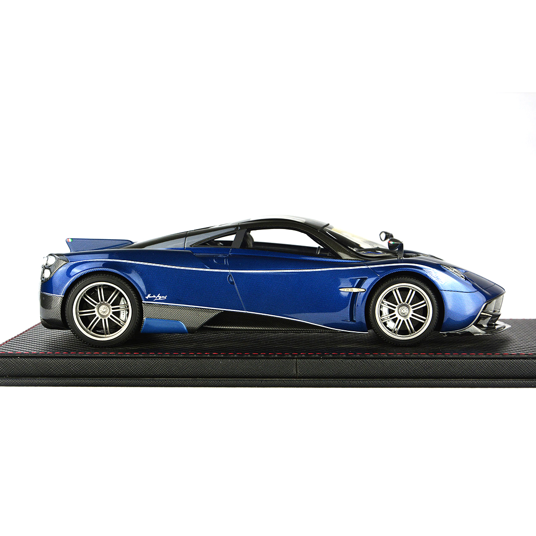 1:18 Car Model Pagani HUAYRA Model Collection Decor With Base Dust Cover Model Educational Toy Blue/Charcoal Grey/Purple Red - 5