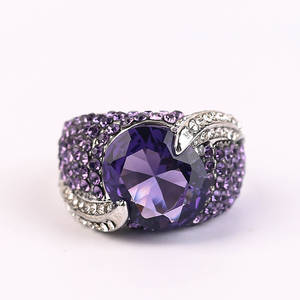 2020 Hot Sale Fashion Love Rings For Women Silver Color Large Purple Stone Mujer Ring Luxury Jewelry For Femme Best Gift 40M801