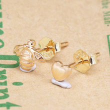 Valentine's Day Original 925 Sterling Silver Gold Plated Love And Bee Shine Stud Earrings Gold Bee Stud Earrings Pan Earring