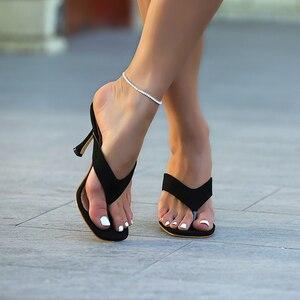 Image 1 - Pzilae chinelos femininos sólidos 2020 nova ladys verão chinelos chinelos chinelos de salto alto dedo do pé quadrado sólido preto chinelos feminino slides
