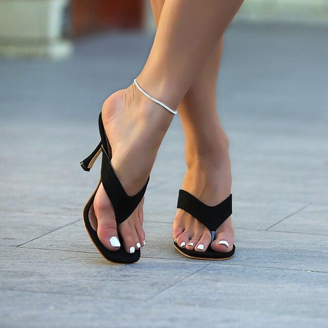 Pzilae chinelos femininos sólidos 2020 nova ladys verão chinelos chinelos chinelos de salto alto dedo do pé quadrado sólido preto chinelos feminino slides