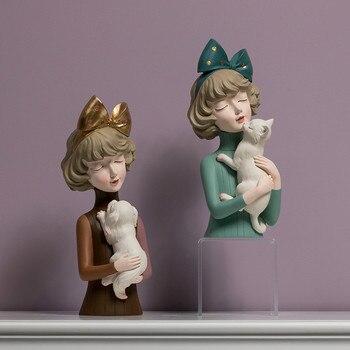 Επιτραπέζια γυναικεία φιγούρα με γάτα