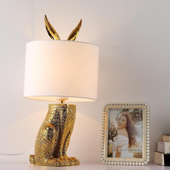 Nowoczesne zamaskowany królik żywica lampy stołowe Retro przemysłowe biurko oświetlenie do sypialni lampki nocne badania restauracja dekoracyjne światła