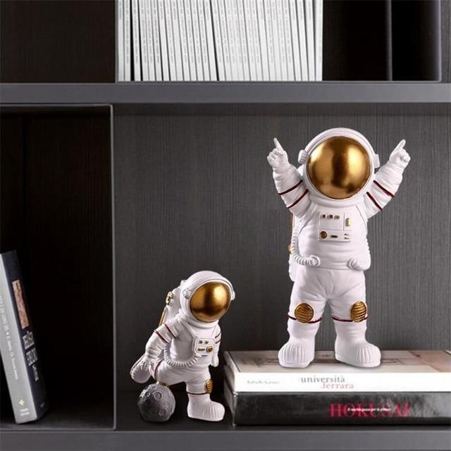 European Astronaut Statue Home Character Sculpture Cosmonaut Hero Office Decor Miniatures Model Creative Figure Figurines Crafts 4