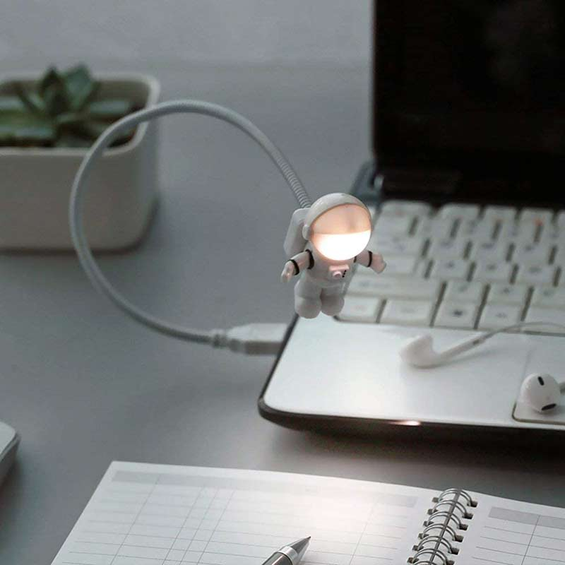 Creative USB LED Reading Light Lamp Spaceman Astronaut USB Light Portable USB Gadget For Power Bank PC Laptop Desktop White