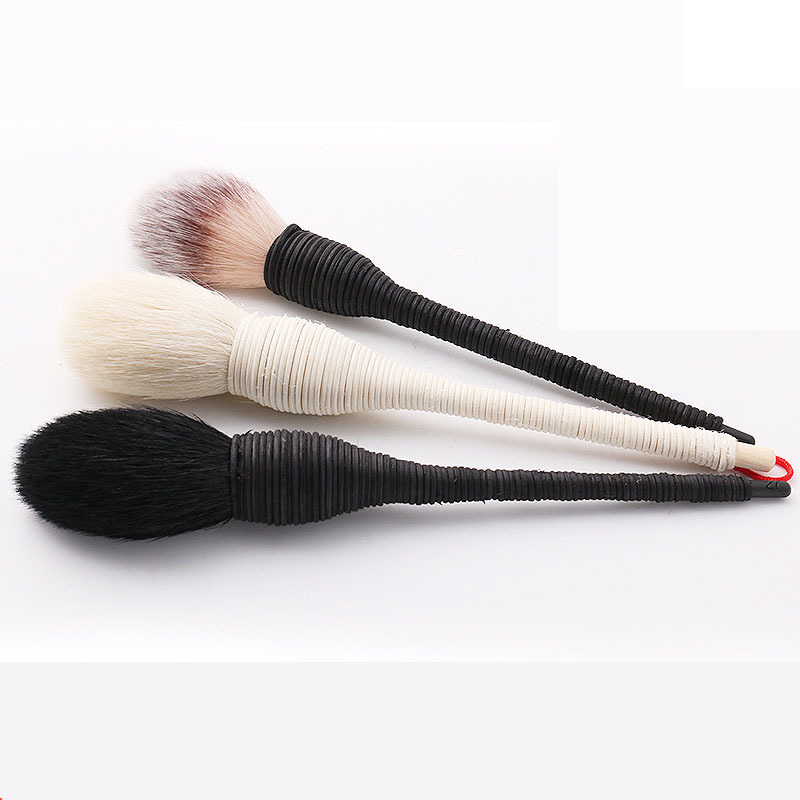 1 PC Pro Women Kabuki Flat Contour Blusher Makeup Brush Powder Foundation Eye Shadow Face Nature Goat Hair Cosmetic Tools