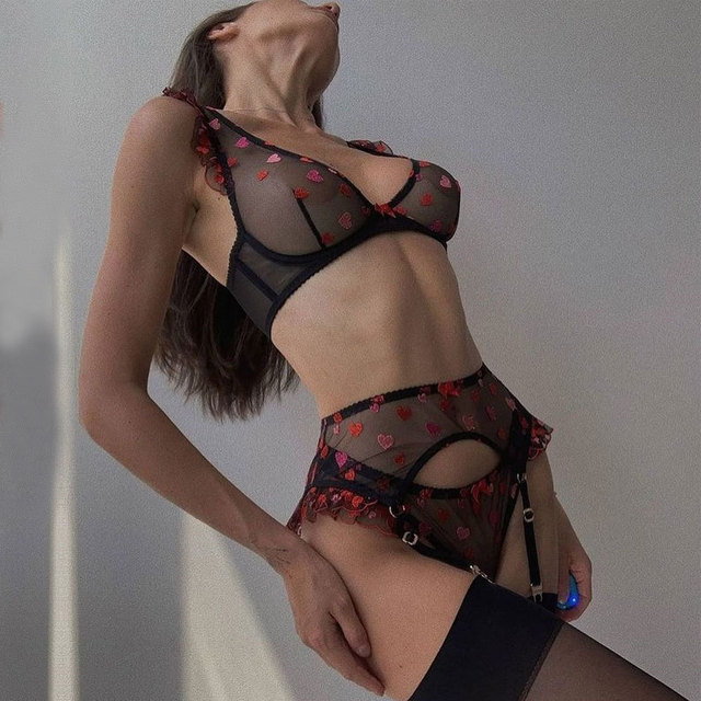 Sexy Transparent 3pcs Lingerie Set Heart-Shaped Embroidery 3