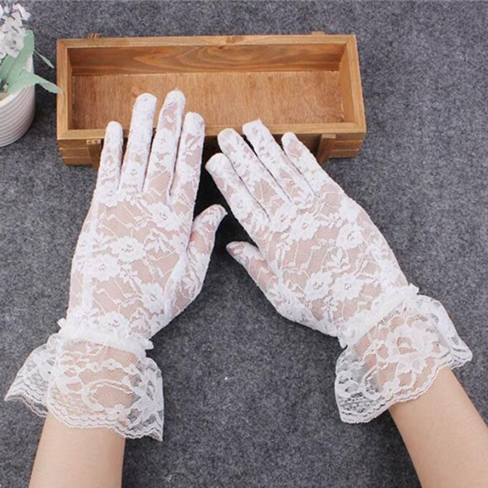 Cheap Wrist Length Sheer Lace Bridal Gloves White Simple  Lace Wedding Gloves Beach Country Style