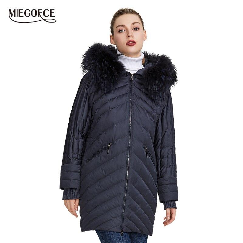 Miegofce 2019 nova coleção de casaco feminino de inverno design extraordinário há um capuz com pele até os joelhos quente jaqueta feminina