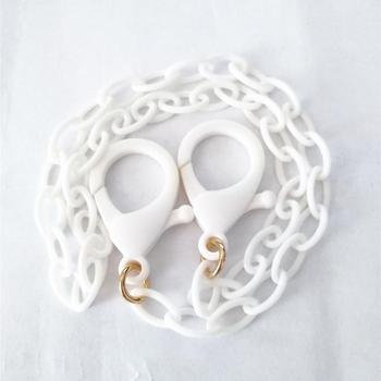 Practical ropes supporting the face mask at the neck and other accessories for masks
