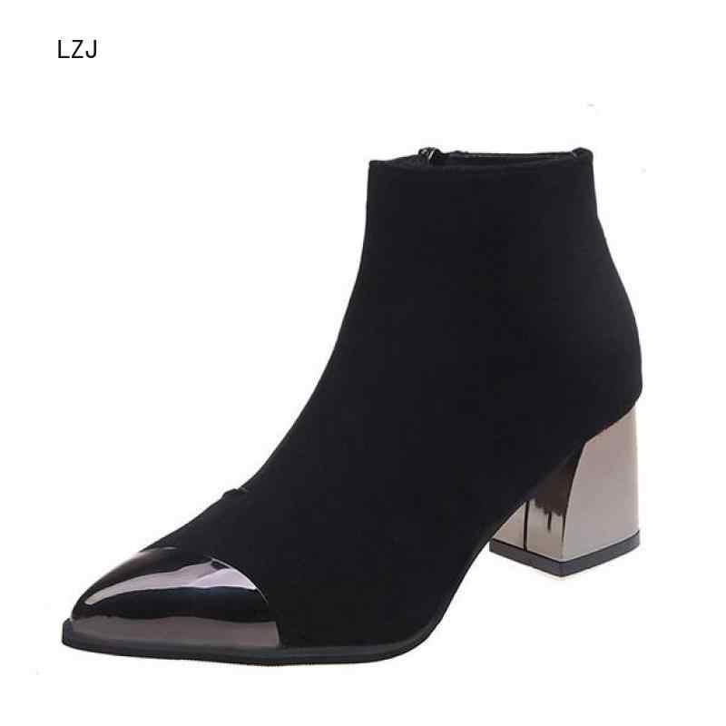 Phụ nữ Giày Cao Gót Cổ Chân Giày Mũi Nhọn Nữ Thu Đông Thời Trang Gót Vuông Trang Trí Kim Loại Ủng Đen Đỏ